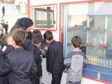 عرضه موادغذایی مضر در بوفه برخی از مدارس همدان