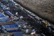 زائران اربعین در شلمچه خواستار حذف عوارض منطقه آزاد شدند