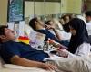 یک اهداکننده مستمر خون
